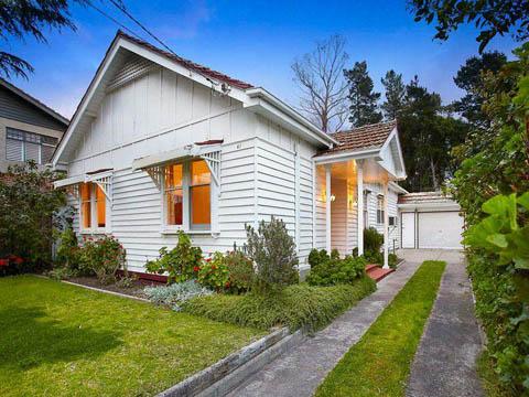 แบบบ้านไม้ชั้นเดียวสีขาวสุดสวย แบบบ้านไม้ชั้นเดียว แบบบ้านไม้