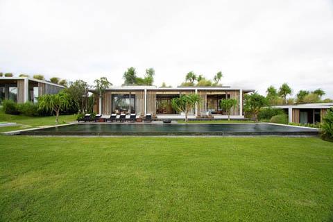 มาดูบ้านที่จัดสวนแบบธรรมชาติสีเขียวทั้งหลังสำหรับคนรักธรรมชาติ
