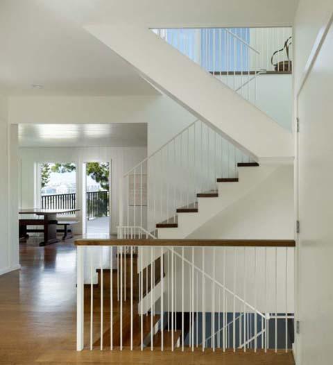 1แบบบ้านไม้โมเดิร์นสุดสวยสีขาวสะอาดโปร่งโล่งสบายไม่เหมือนใคร