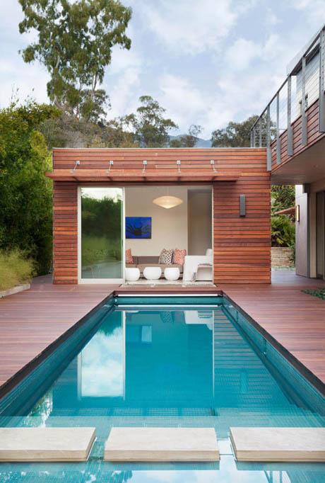 บ้านและสวน ห้องนั่งเล่นริมสระน้ำ