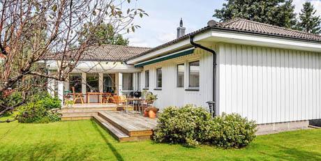 บ้านและสวน บ้านชั้นเดียวที่แสนอบอุ่น