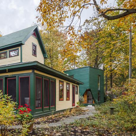 แบบบ้านไม้ บ้านกล่อง สีเขียวเข้ม