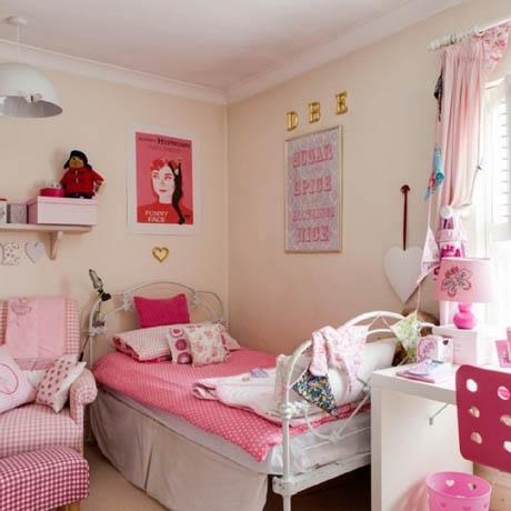 รูปห้องนอน สีชมพูหวาน